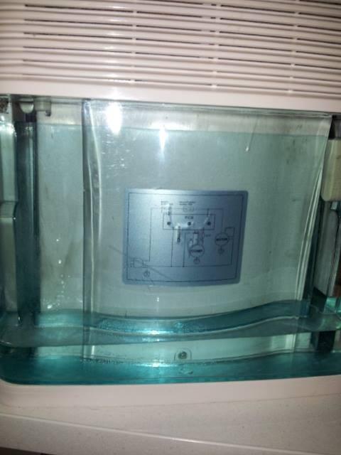 Ein elektrischer Luftentfeuchter zieht ganz schön viel Wasser aus dem Wohnmobil