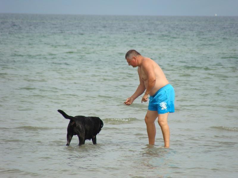 Mittags gehen wir wieder zum Strand