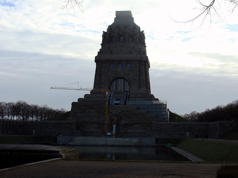 So, inzwischen sind wir in Leipzig. Mit Frank gehen die Unternehmungen weiter. Völkerschlachtdenkmal