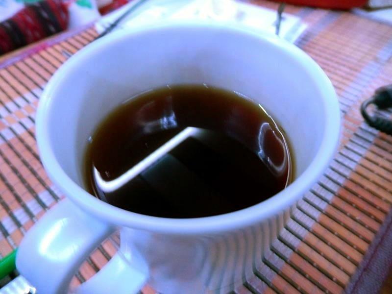 Schwarzer Tee mit Rum.
