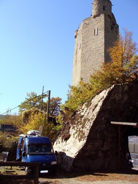 Direkt am Burgturm