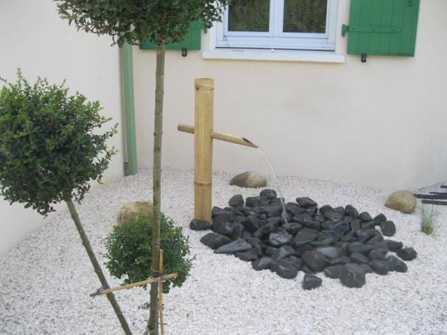 petite fontaine bambou appel 39 tsubukai 39 dans les jardins japonais. Black Bedroom Furniture Sets. Home Design Ideas