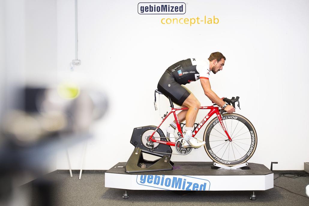 Radprofi John Degenkolb beim Bikefitting im concept-lab Münster (Foto: gebioMized)