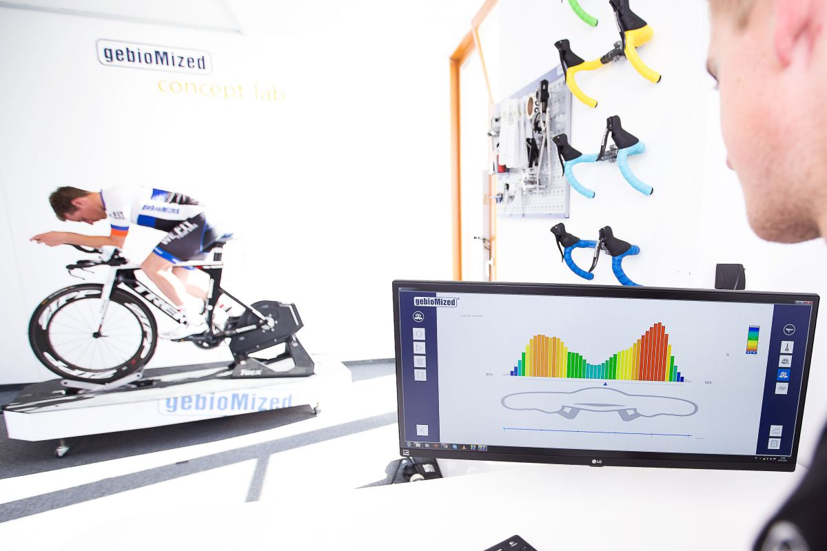 Analyse der Druckverteilung auf den Armpads beim Triathlon-Lenker
