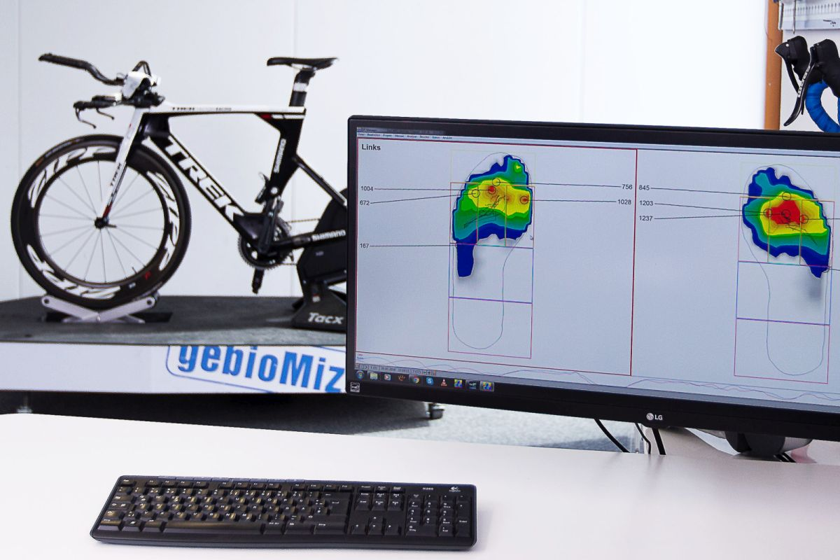 Analyse der Kraftübertragung auf die Pedale beim Bikefitting durch eine Fußdruckmessung
