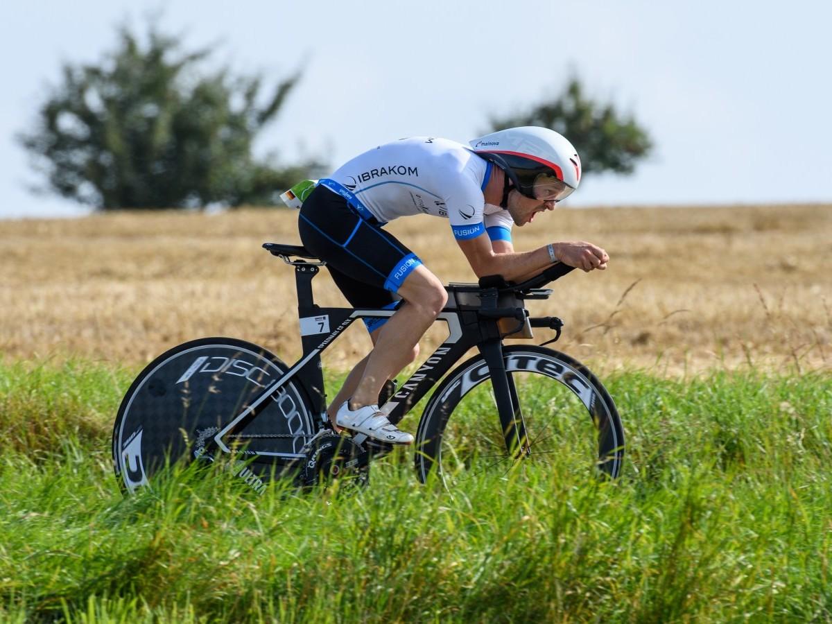 Krafttraining kann bei Triathleten die Muskeleffizienz verbessern und die Ausdauerleistung unterstützen (Foto: Michael Rauschendorfer)