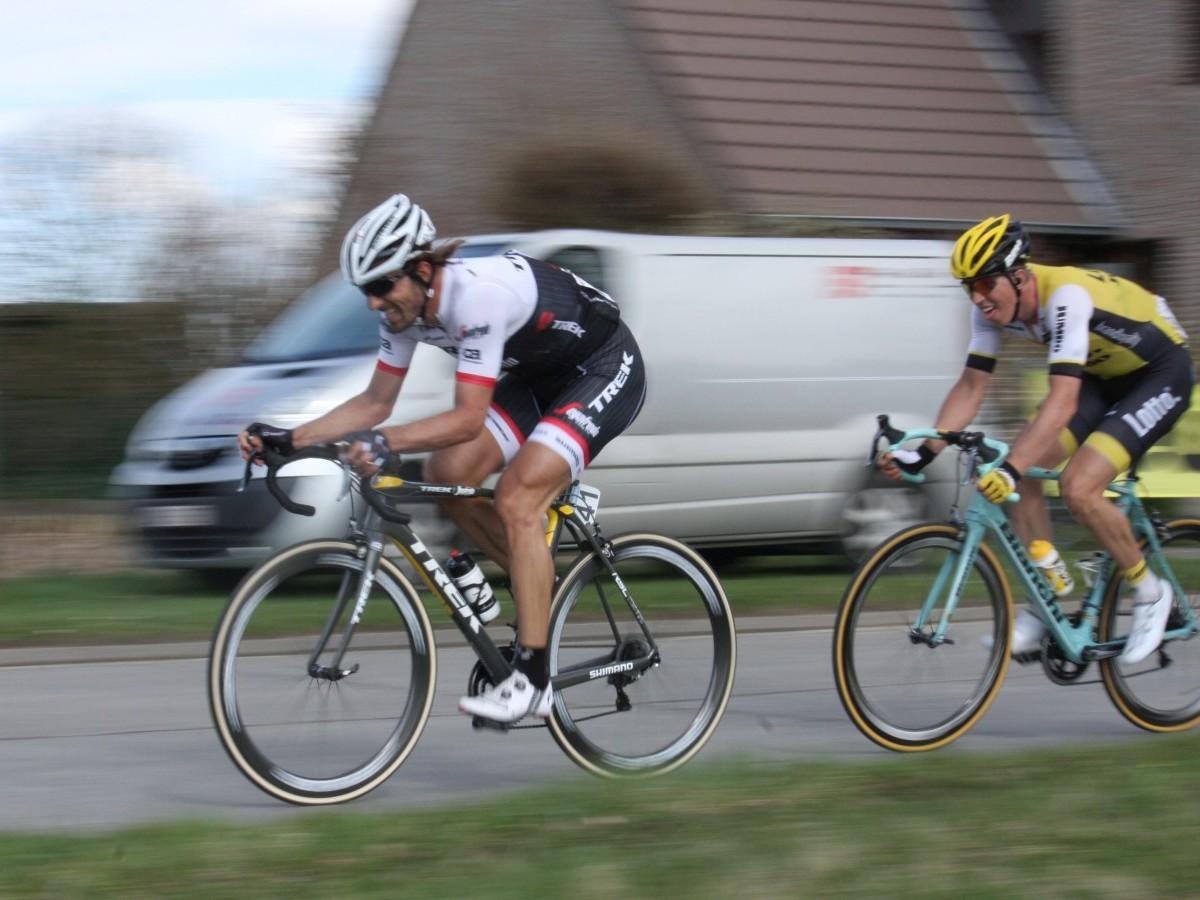 Fordert die Muskelkraft: Ausreißversuch im Radsport (Foto: Daniel Kilb)