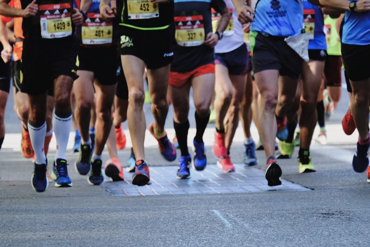 Das richtige Tempo spielt beim Marathonlauf eine zentrale Rolle  (Foto: Miguel A. Amutio - unplash)