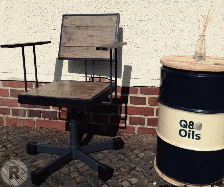 DDR Bürostuhl aus Holz (Upcycling)
