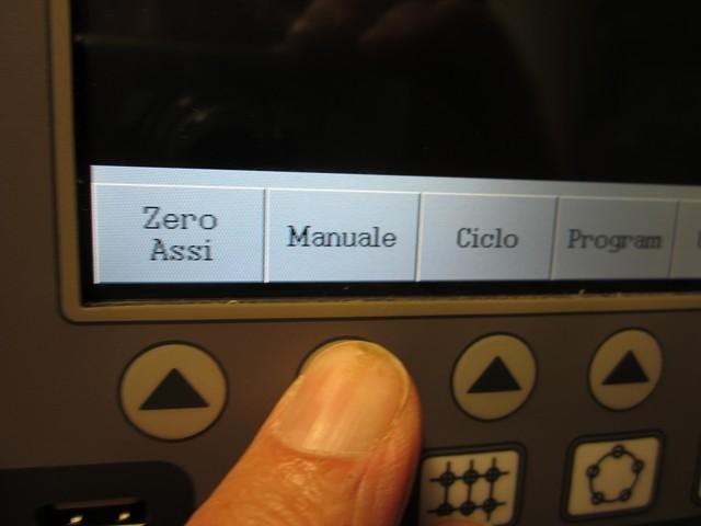 """Selezionare """"manuale"""" per visualizzare quote assi e funzioni"""