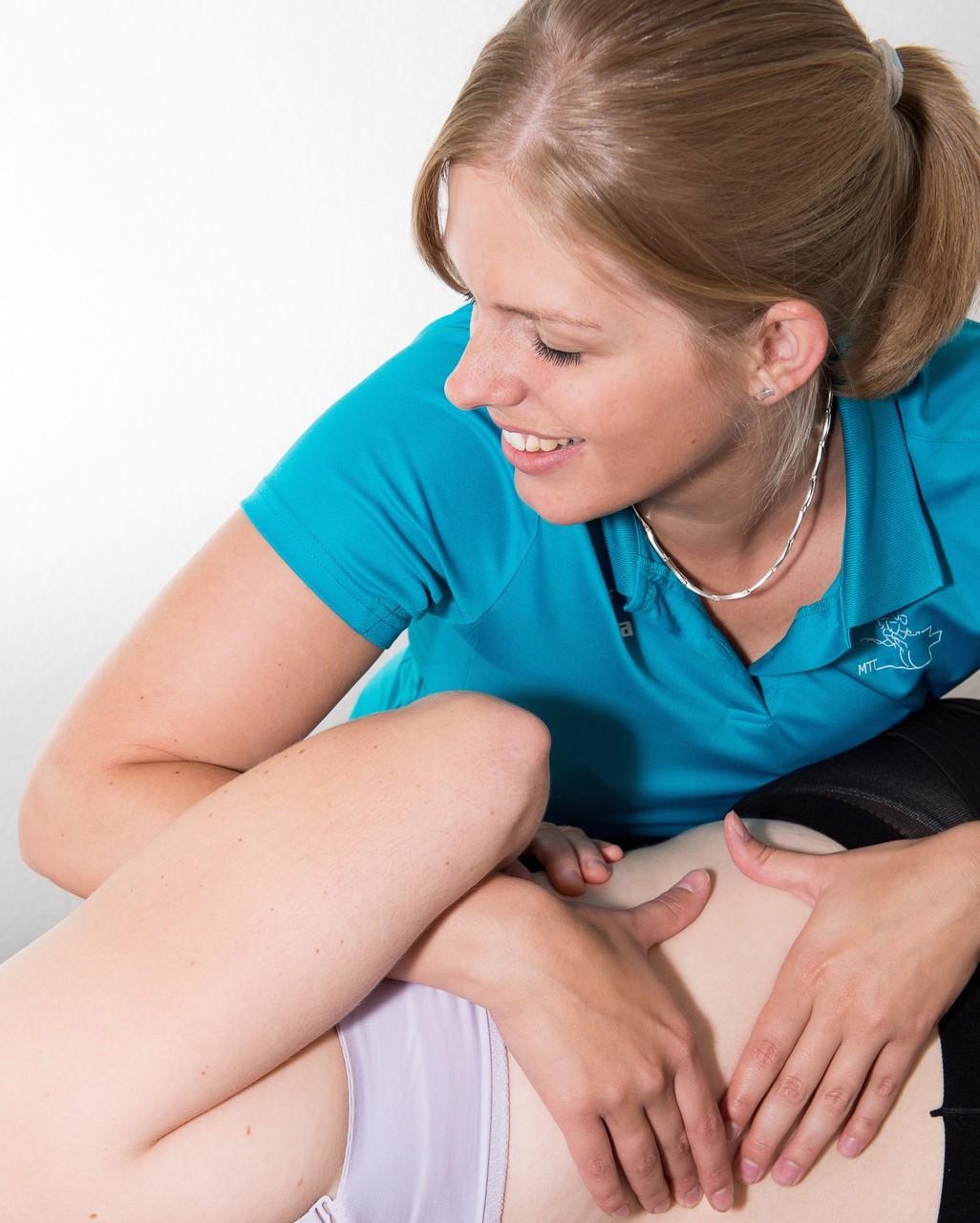 Manuelle Therapie bei Hexenschuss, Bandscheibe-Beschwerden, Schleudertrauma, Wirbelsäule, Schulter, Hand und Fuss