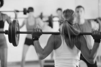 Pump & Fight; ein hervorragendes Kraft-Ausdauer-Training in MTT Physiotherapie Surental!