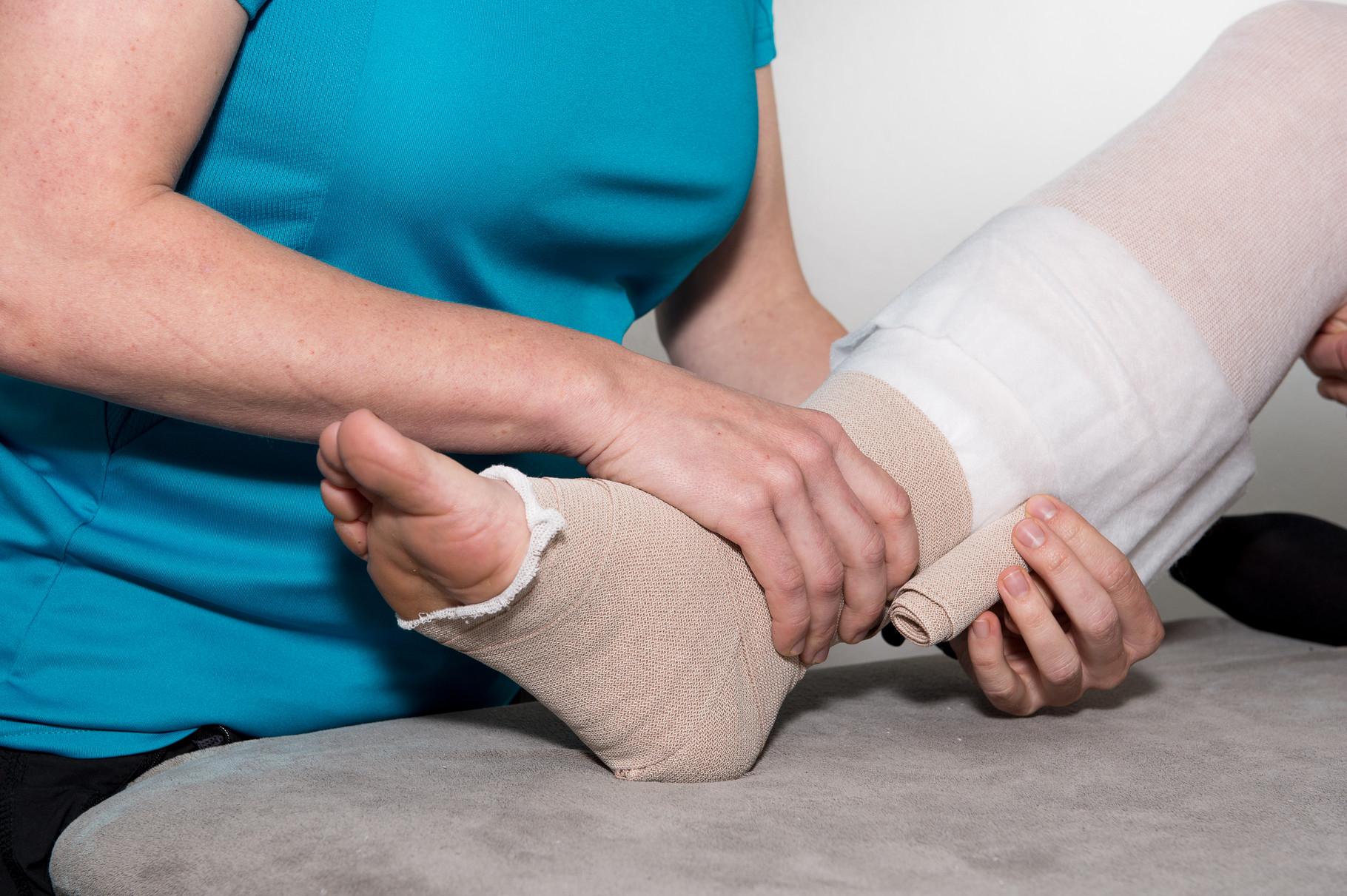 Lympedrainage und bandagieren