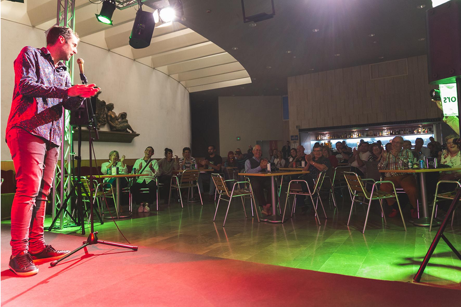 "Miércoles 23 - Quique Macías + Alumnos curso ""Stand-up"""