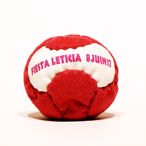 Animation et distribution d'un souvenir pour la méga fiesta organisée par Léticia