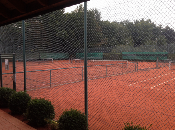 Tennisanlage, fünf Plätze