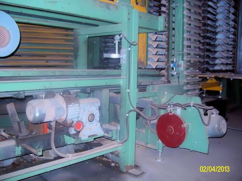 Impianti fissi per la produzione di tegole in cemento