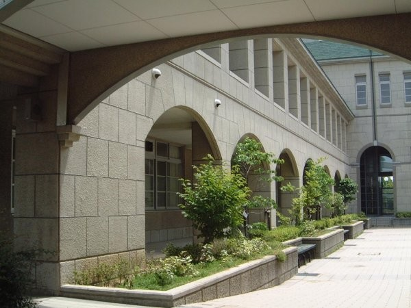 南館と回廊