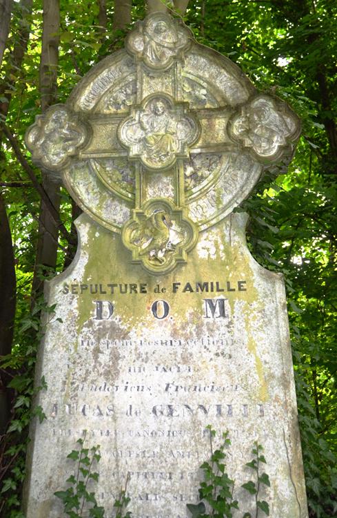 Sépulture de Lucas de Genville- Cimetière de la Madeleine à Amiens