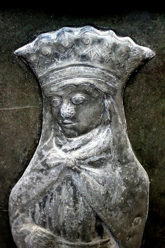 Sainte Elisabeth de Hongrie- Ph: Sylvie Gilliard
