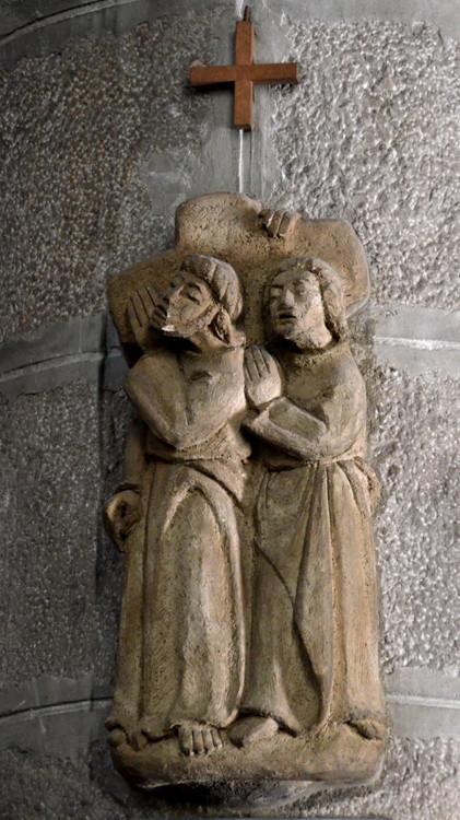 5-Simon de Cyrène aide Jésus