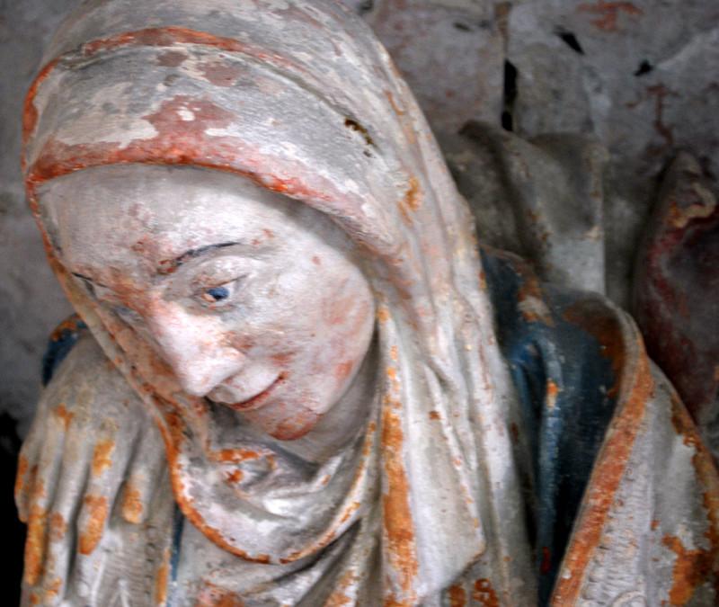 Le sépulcre de l'église d'Oust-Marest- la Vierge Marie