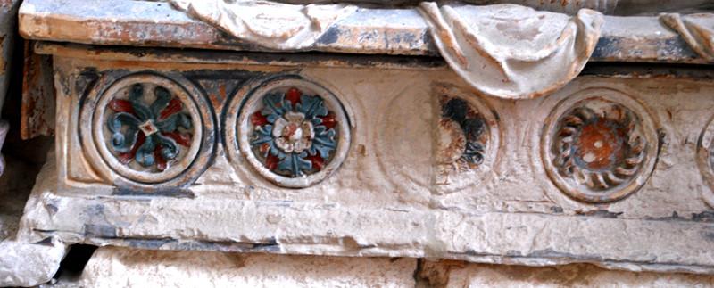Le sépulcre de l'église d'Oust-Marest- Détail du sarcophage
