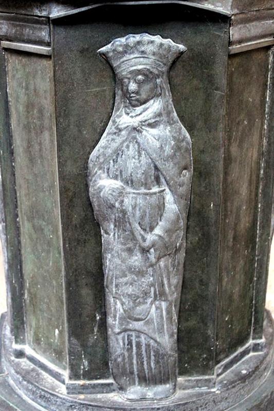 Sainte Elisabeth de Hongrie-Ph: Sylvie Gilliard