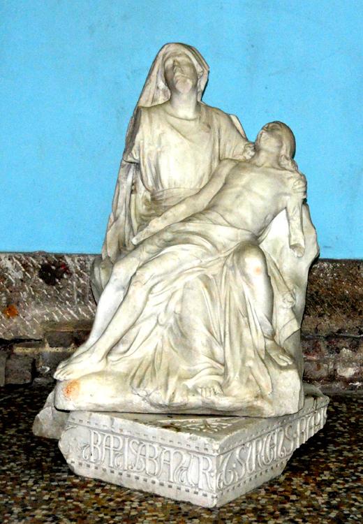 La Vierge de Pitié de la Basilique d'Albert, signée Albert Roze