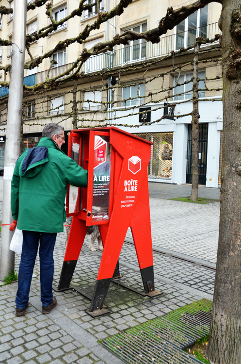 Boîte à lire place Gambetta à Amiens