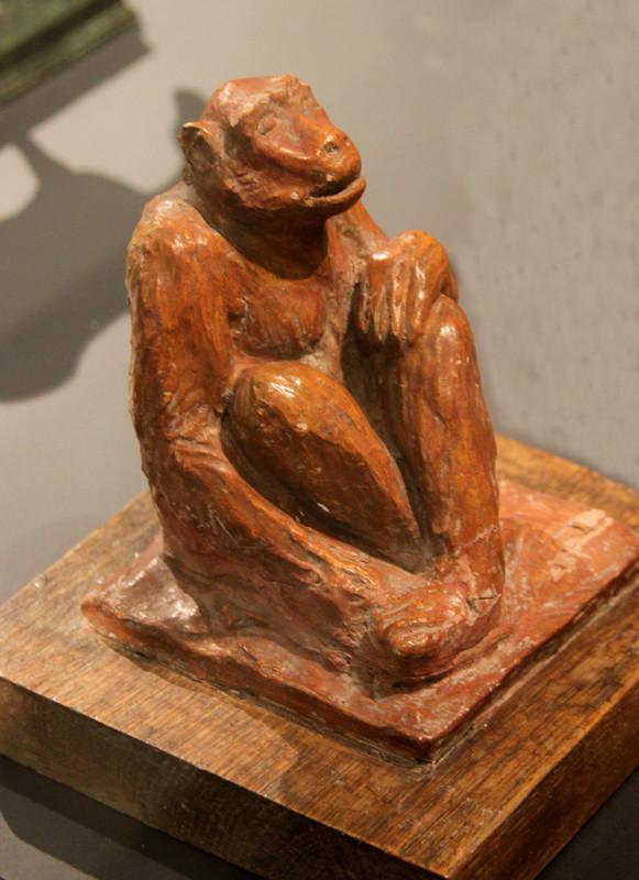 Chimpanzé- Terre cuite-Avant 1930- Ph: Ch Sellez