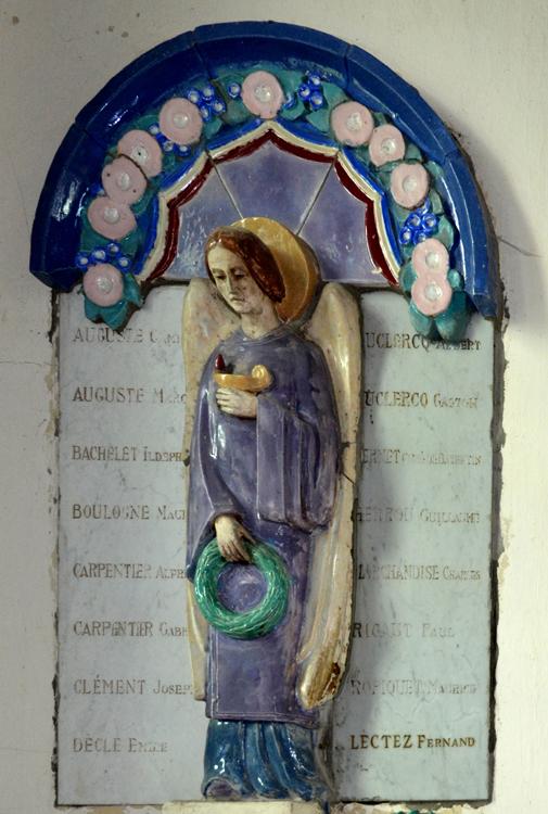 Monument aux morts dans l'église de Bazentin