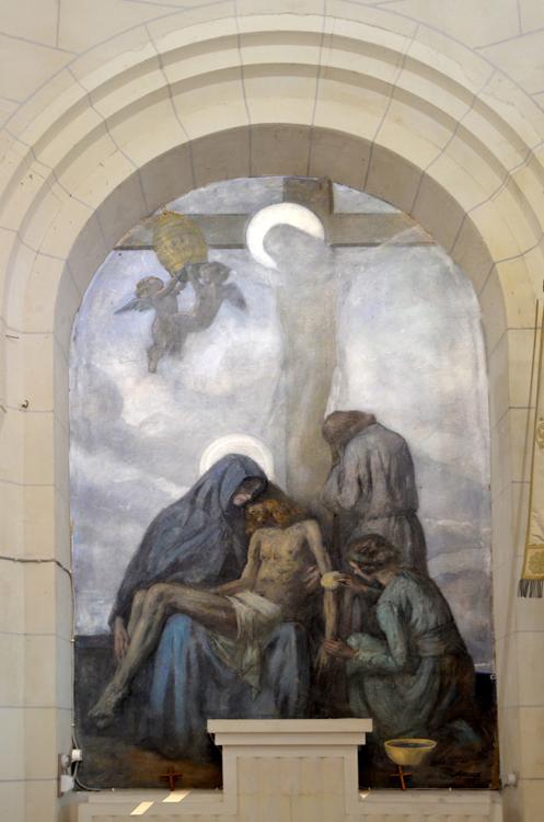 Eglise de Mesnil-Martinsart:  admirable fresque de Lucien Jonas avec le Christ en filigrane sur la croix