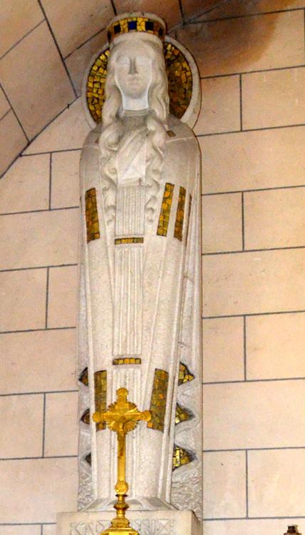 Statue de Sainte Radegonde dans l'église de Coullemelle