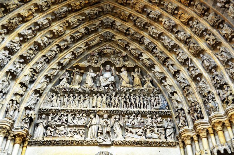Le tympan du grand portail