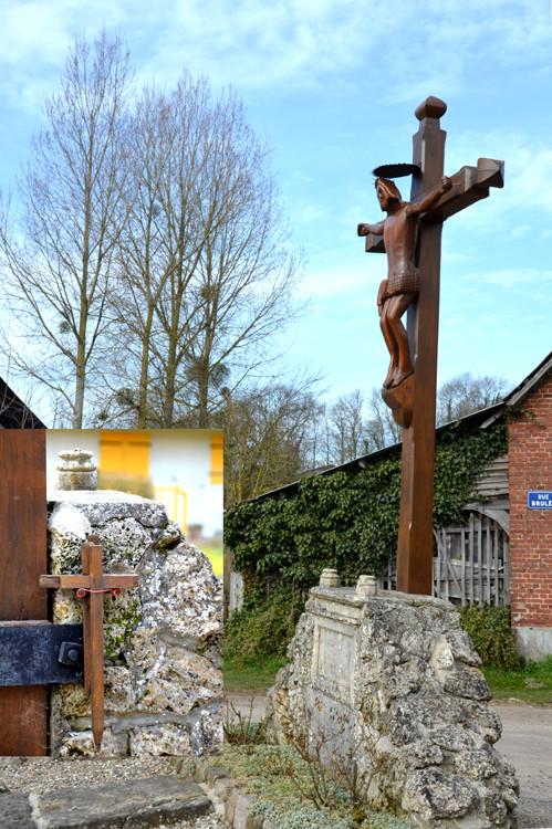 La croix de Maisnières-en-Vimeu avec sa croisette dans le médaillon