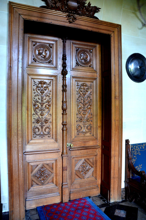 Porte au premier étage