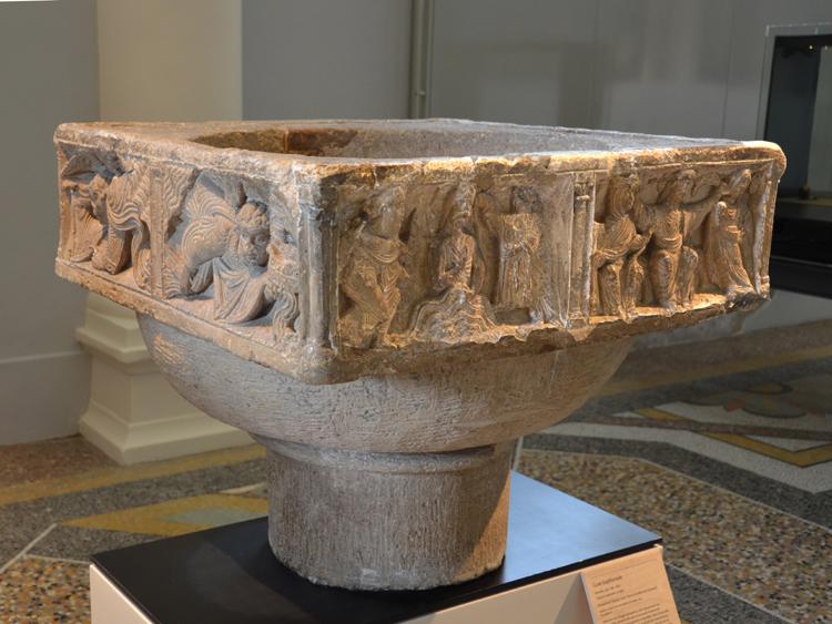 Selincourt: cuve baptismale