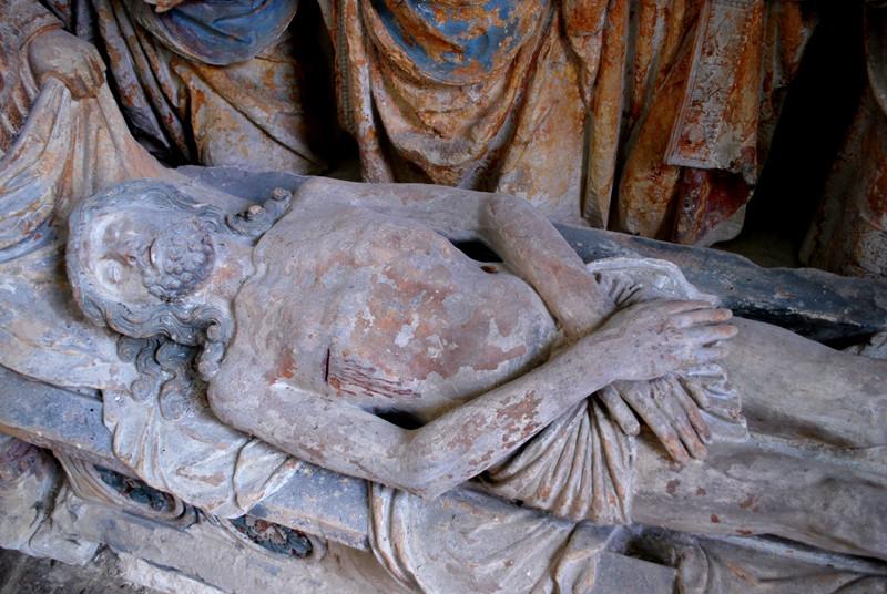 Le sépulcre de l'église d'Oust-Marest- Jésus