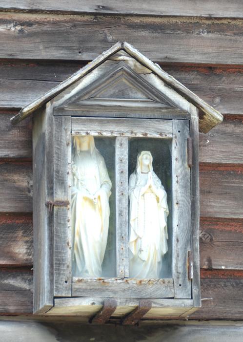 Joseph et Marie dans une niche à Vercourt