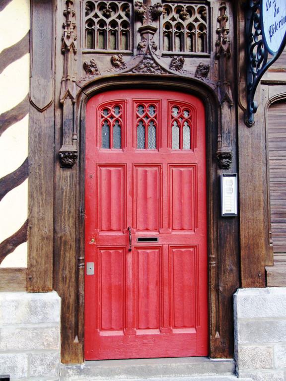 La porte d'entrée de la Maison du Pèlerin