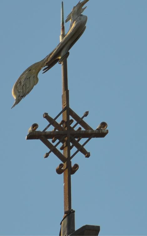 La croix du clocher de Malpart