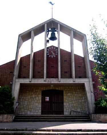 Une variante du clocher à campenard: église St-Firmin le Confesseur à Estrées-sur-Noye