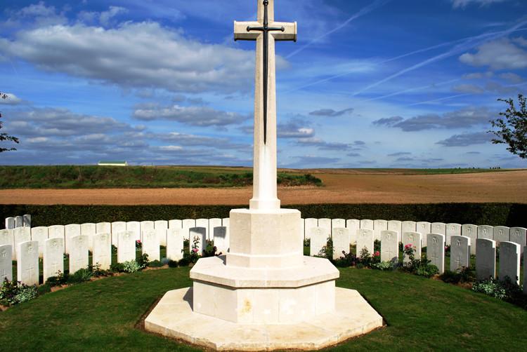 Un des cimetières anglais de Mametz