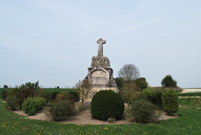 Estrées-les-Crécy- La croix du roi de Bohême