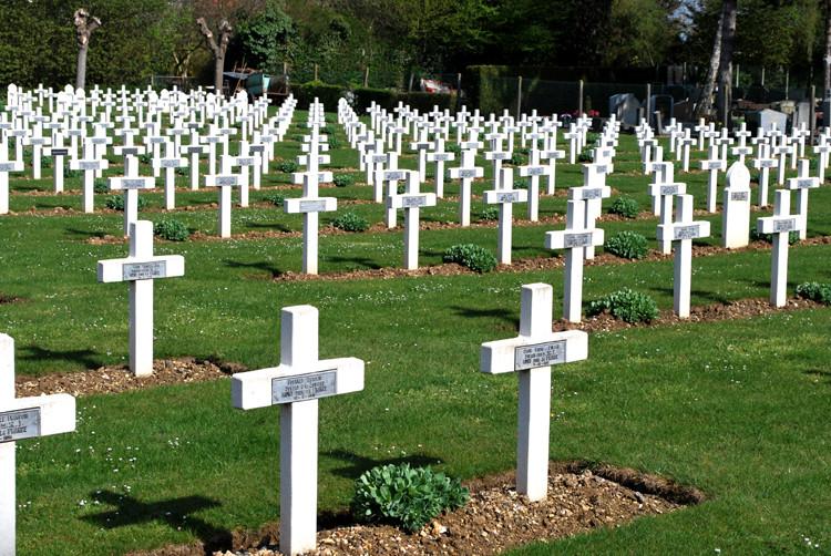 Le cimetière militaire français d'Amiens-Saint-Acheul
