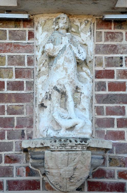 Sculpture sur la façade de l'Hôtel de Ville- Photo: Rémy Godbert