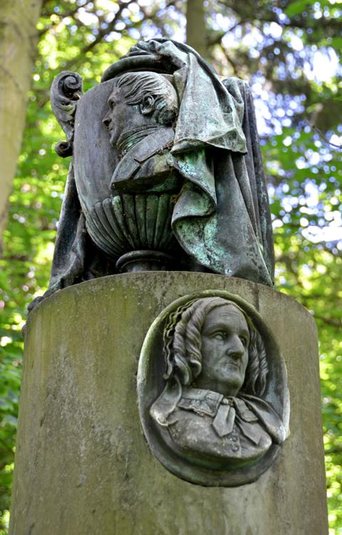 L'urne funéraire des beaux-parents de Gédéon de Forceville