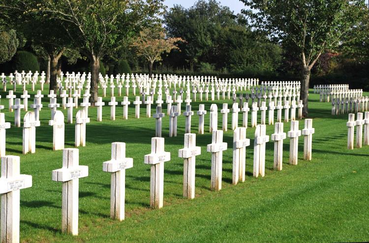 Le cimetière militaire français de Dompierre-Becquincourt