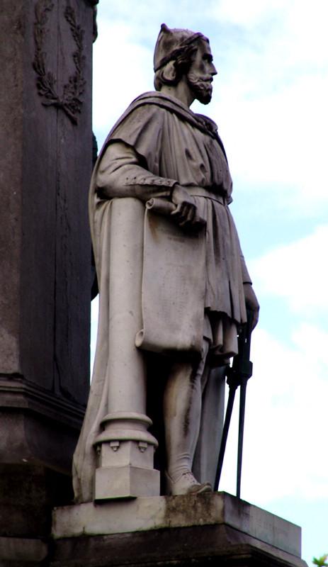 1- Robert de Luzarches